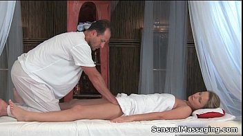 feels horny massage Aunt giving me head