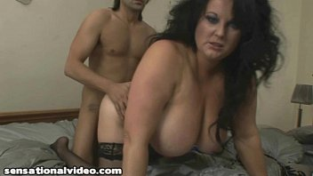 a milf brunette is heat in Xxx sex hd video