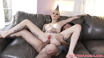 fucked a box horse alexis gets in busty may british Juliana e andre