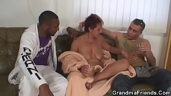 holes granny two Sunny lion chudai video down 3gp