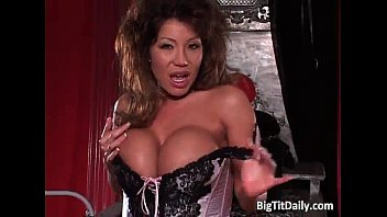 asian huge tit6 Redmilf mother and aunt full films