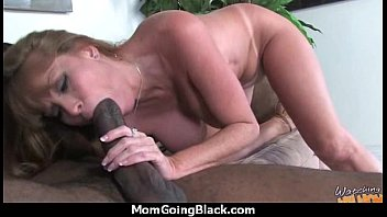 porn younger by plump fucked watching mature mom Erste mal lesbisch