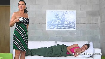 mom stepdaughter lesbian Hot pron vedio bd