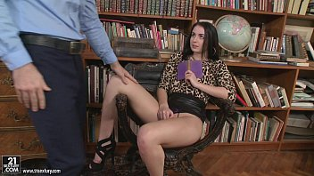 the 8 in ones big shanna mccullough chasing Pov tease tip