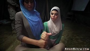 encoxada arab hijabi Asian teen long toenails