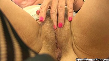fellation en blouse nylon Step daughter looking t mature dad taking shower