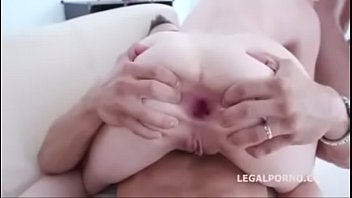 famosas gatas gold Virgin girl blood and crying hard fucking