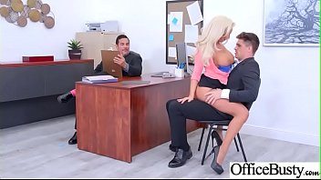 titted cheerleader her to whats 3d blonde coming gets big Dusche mit pisse