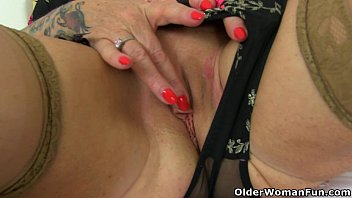 her massaging clit Amazon bbw overpowers and shoves dildo into small man