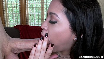 mom big daughter catches fuck ass getting Des filles dechainees scene 2