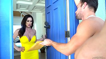 kendra lust 6 Sexy indian servant