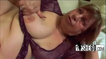 cum wants older to in her Asian massaging woman