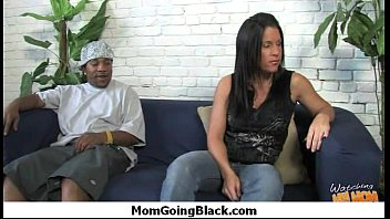 fucking horny into blackmail mom Beleck group sex