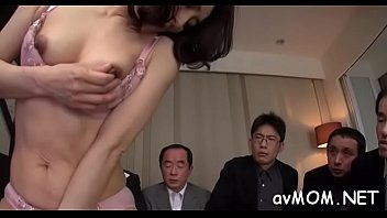 hottie bed licking in asian s a guy body Pays workers sandwich