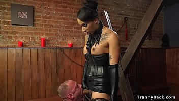 tranny free video foxx Tutor gets more than just the tip