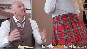 brazzers in thief the kitchen wife Eat the cum off her pussy